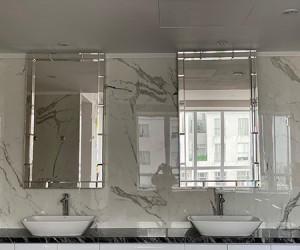 Gương là một vật trang trí không thể thiếu trong mỗi gia đình!!